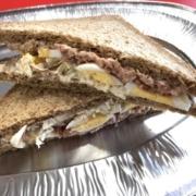 sendvič tuňákový