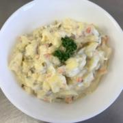 salát bramborový salát